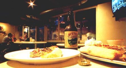 beer-and-pizza-at-uncle-joe-pizzeria