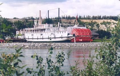 ss-klondike-along-the-yukon-river